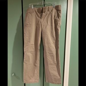 Gap khaki pant with knee stitch for accent